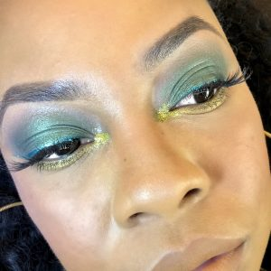 completed green eyelook