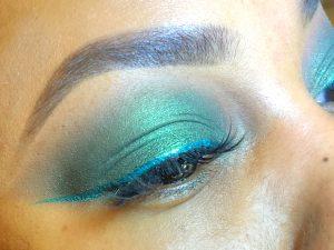 green eyeshadow goldline